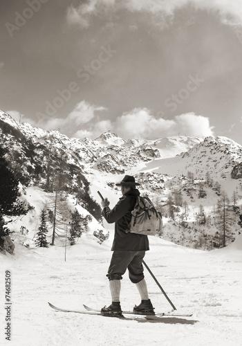 Papiers peints Glisse hiver Vintage photos with vintage skier