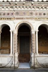 basilica san paolo fuori le mura - chiostro