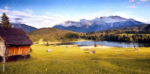 canvas print picture einsame Hütte am Karwendelgebirge