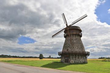 alte Windmühle in Estland II