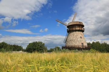 alte Windmühle in Estland VI