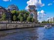 canvas print picture - Reichstag in Berlin von der Spree aus