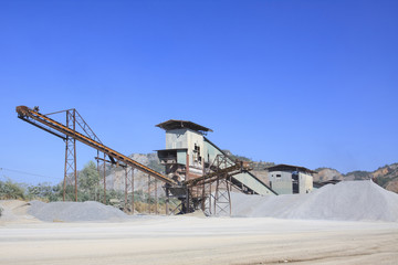 rock crusher machine industry chain moving to logistic gravel us