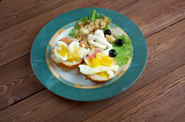 Eggs Neptune