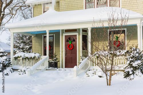 Winter House - 74767741