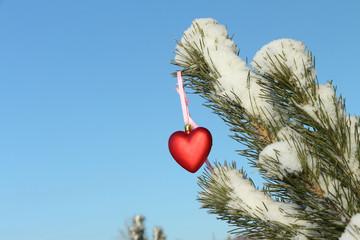 Christmas-tree decoration heart