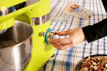 Küchenmaschine Schalter Bedienung