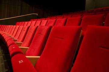 fauteuil rouge théatre-04