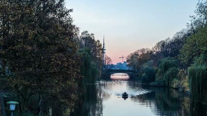 hamburg tv tower, alster lake, bridge in the evening Hyperlapse