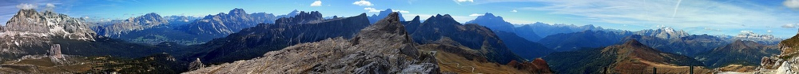 spectacular view from Nuvolau peak