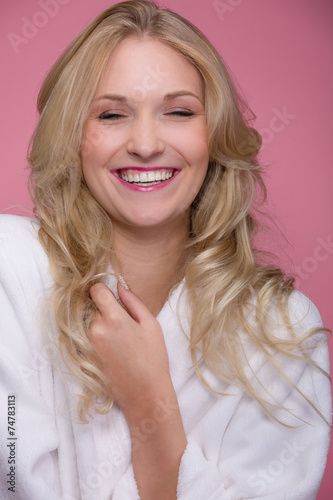 canvas print picture Lachende junge Frau