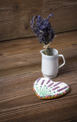 Gingerbread heart decorated with lavender