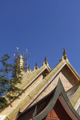 Buddhastatue in Tempel in Thailand