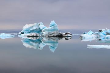Reflet d'iceberg en Islande