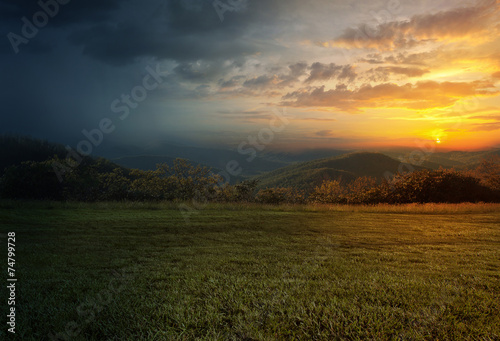 Fotobehang Zonsondergang Rain and sunset