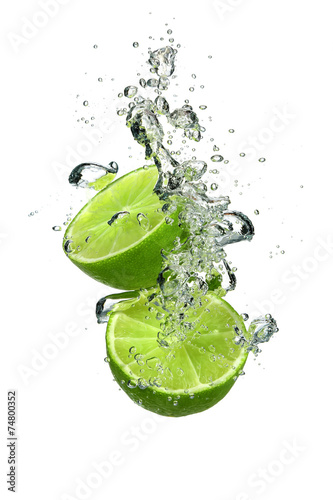 Papiers peints Fruit Lime with water