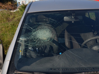 broken car glass, insurance market, violence, damage