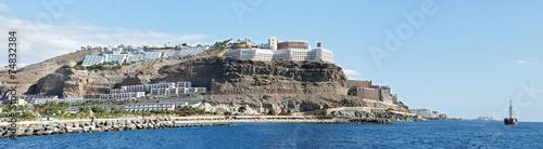 canvas print picture Hotelanlage an der Steilküste von Puerto rico