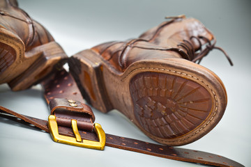Fashionable shoes handmade leather belt with a buckle