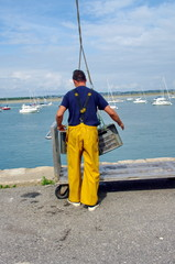 manutentionnaire sur un port de pêche