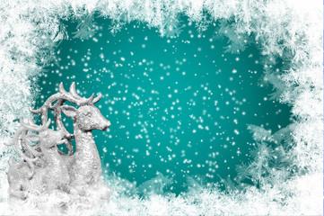 Eiskristalle, Schneeflocken und Rentiere zur Weihnacht