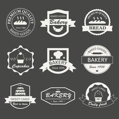 Retro bakery logos, badges and labels set. Baked goods design el