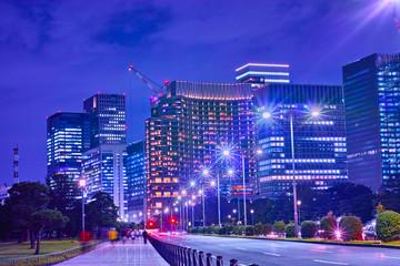 東京の丸の内の夜景