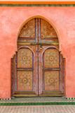 porte en bois peinte , marrakech