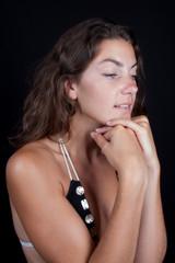 Jeune femme lumineuse