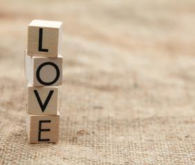 love en lettres de bois