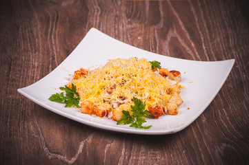 salad with bacon, crouton and cheese