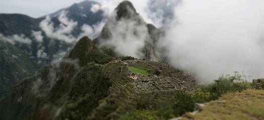 Macchu Picchu dans les nuages