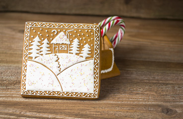 Gingerbread box with decorated top and lollipop