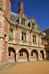France, the picturesque castle of Maintenon