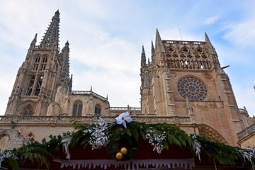 adornos de naviddad en la catedral de burgos