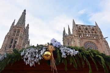 adornos de navidad en la catedral de burgos