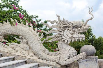 Dragon statue on Linh Ung Pagoda