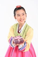 한복 입은 한국 소녀