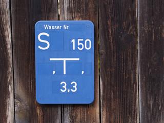 Hinweisschild für Wasseranschluss