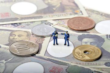 お金と警察官