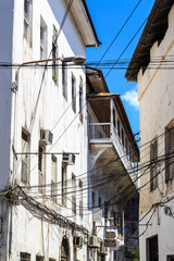Electricity cable tangled in an old colonial street