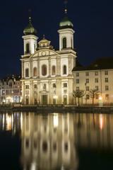 Jesuitenkirche in Luzern by night