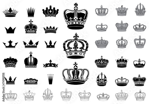Set of 40 detailed crowns - 74988118