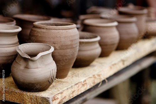 Pottery in crafts fair - 74990739