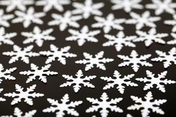 Künstliche Schneeflocken
