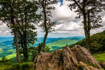 Boulders, trees, and view of the Blue Ridge at an overlook on Sk