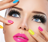 Beauty girl portrait with vivid makeup and colorful nail polish - 75021366