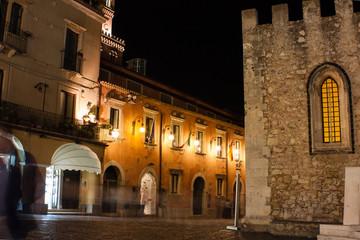 Rue en Sicile la nuit