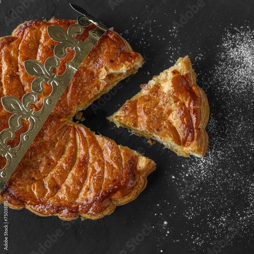 Foto op Canvas Dessert galette des rois coupée