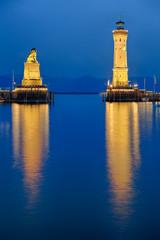 Bodensee Hafeneinfahrt Lindau beleuchtet